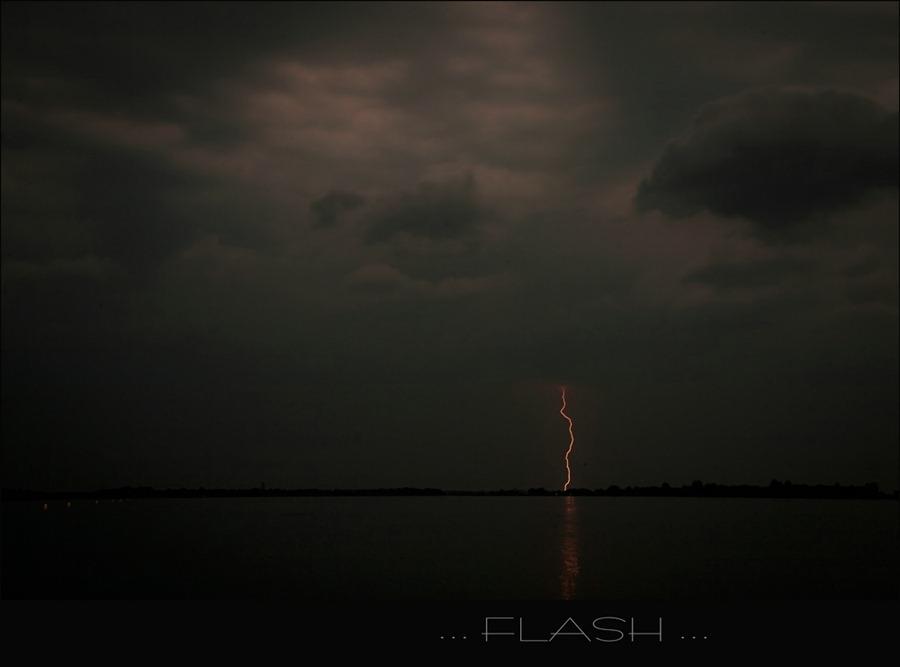 2011-06-28 Naderend onweer bij de Stille Belter 04
