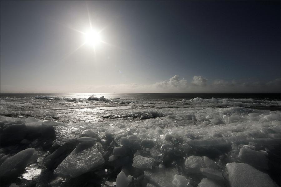 Kruiend IJs  Urk  winter 02