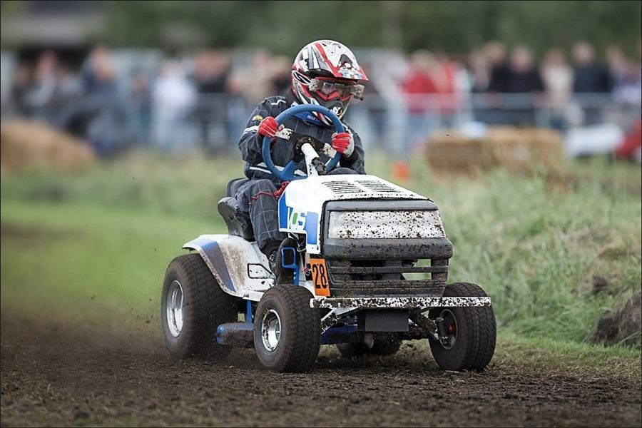 Gazonmaaierraces Koekange2012
