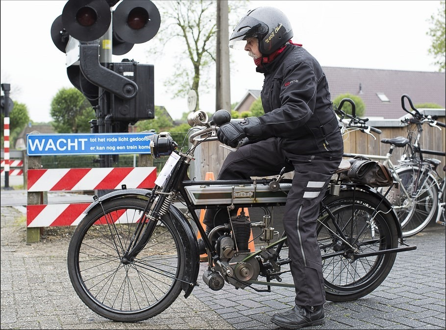 VMC Rit Staphorst Foto Veteraan Motoren Club