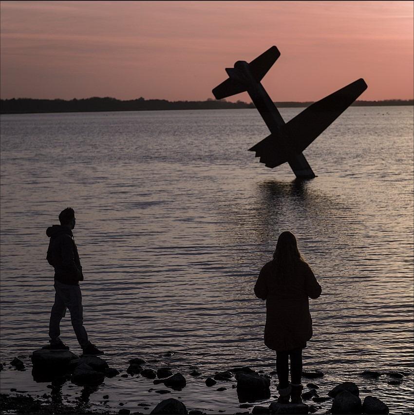 Harderwijk Foto Kunst Foto Arend Kleinpaste Foto Monument voor geallieerde vliegers Foto Veluwemeer Foto Stof tot Nadenken Foto Oorlogsmonument