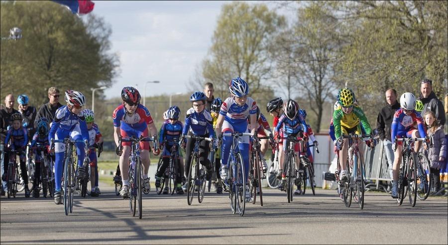 Staphorst Foto Ronde van Staphorst Foto Wielerronde van Staphorst Foto Wielerronde van Staphorst 2015 Foto Zomeravondcompetitie Foto Wielrennen Staphorst