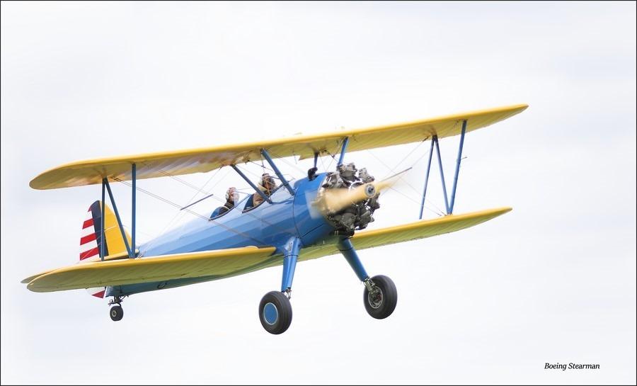 Wings & Wheels Foto Wings and Wheels Foto Boeing Stearman Foto Wings en Wheels Hoogeveen Foto Vliegveld Hoogeveen Foto Wings en Wheels 2015 Foto Historisch Vliegtuig Foto Historische Vliegtuigen