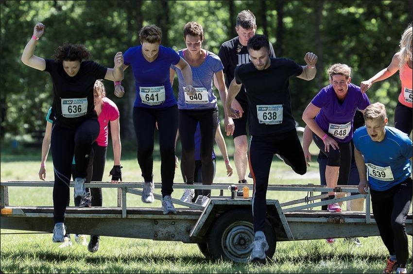 MSM Fun Run Foto MSM Fun Run Staphorst Foto Staphorst Foto Hindernisloop Foto Lopen voor Goede Doelen Foto Stichting Stop Hersentumoren Foto Stophersentumoren.nl