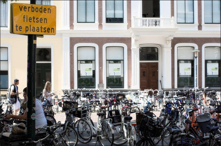 Burgerlijke Ongehoorzaamheid Foto Burgerlijk Ongehoorzaam Foto Parkeren in Deventer Foto Fietsen in Deventer Foto Fietsstad van het Land Foto Verboden Fietsen te Plaatsen Foto Wegsleepregeling