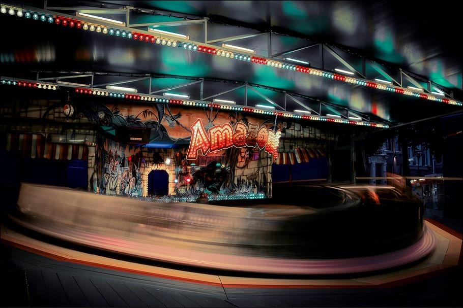 Zomerkermis Zwolle Foto Kermis Zwolle Foto Zwolle Zomerkermis Foto Kermisattractie Foto Kermis Foto Kermisfotografie Foto Nachtfotografie Foto Nostalgische Rupsbaan Foto Kermisattractie Amazone Foto Kermis Rups