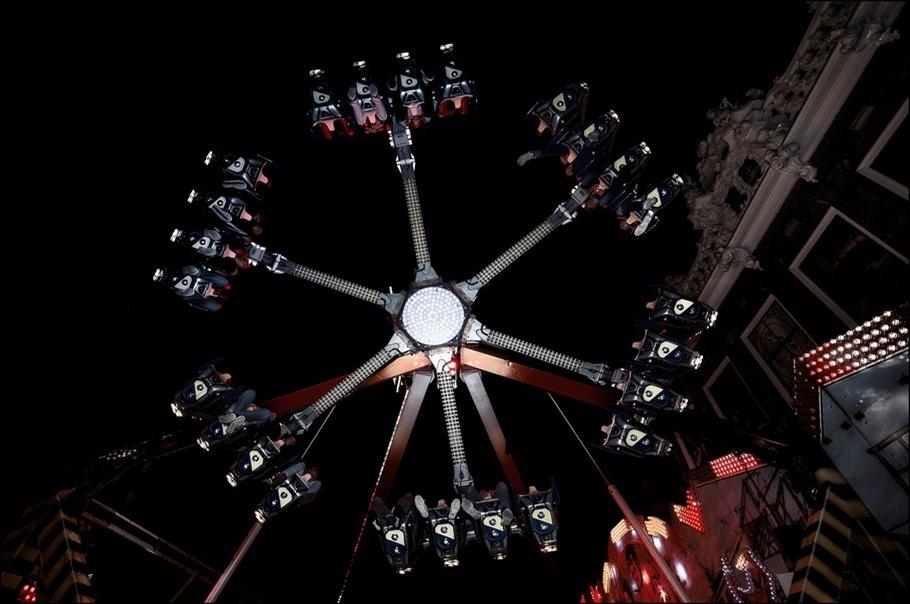 Zomerkermis Zwolle Foto Kermis Zwolle Foto Zwolle Zomerkermis Foto Kermisattractie Foto Slingerende Kermisattractie Foto Kermis Foto Kermisfotografie Foto Nachtfotografie Foto Kermis Fotograferen
