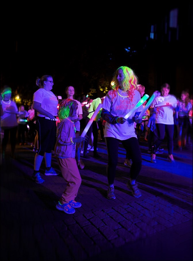 Glowloop Zwolle Foto Glowloop Foto Glow Run Foto Glow Run Zwolle Foto Glow in the Dark 04