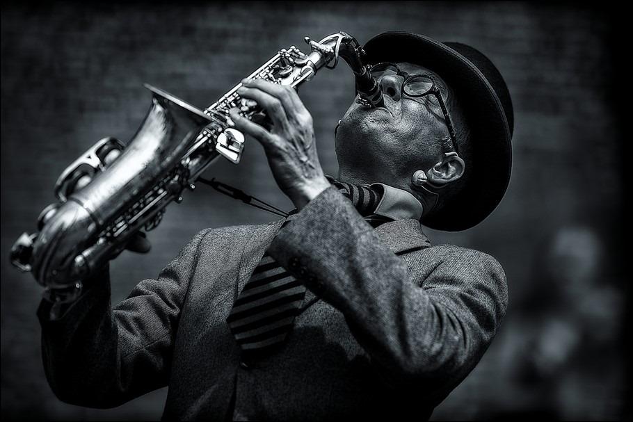 Saxofonist Foto Saxofoon Foto Opgaan in je Spel Foto Opgaan in het Spel Foto Opgaan in de Muziek Foto De Sterren van de hemel Spelen Foto Alle Sterren van de hemel Spelen