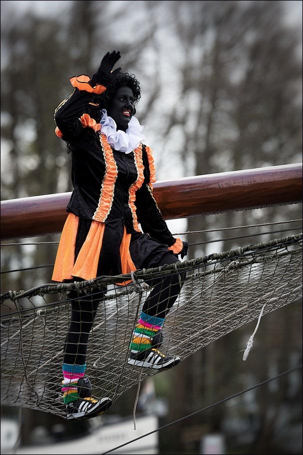Sinterklaasintocht Zwartsluis Foto Zwartsluis Foto Sinterklaas Intocht Zwartsluis Foto Welkom Piet Foto Land in Zicht Foto Boegspriet Foto Welkom Zwarte Piet