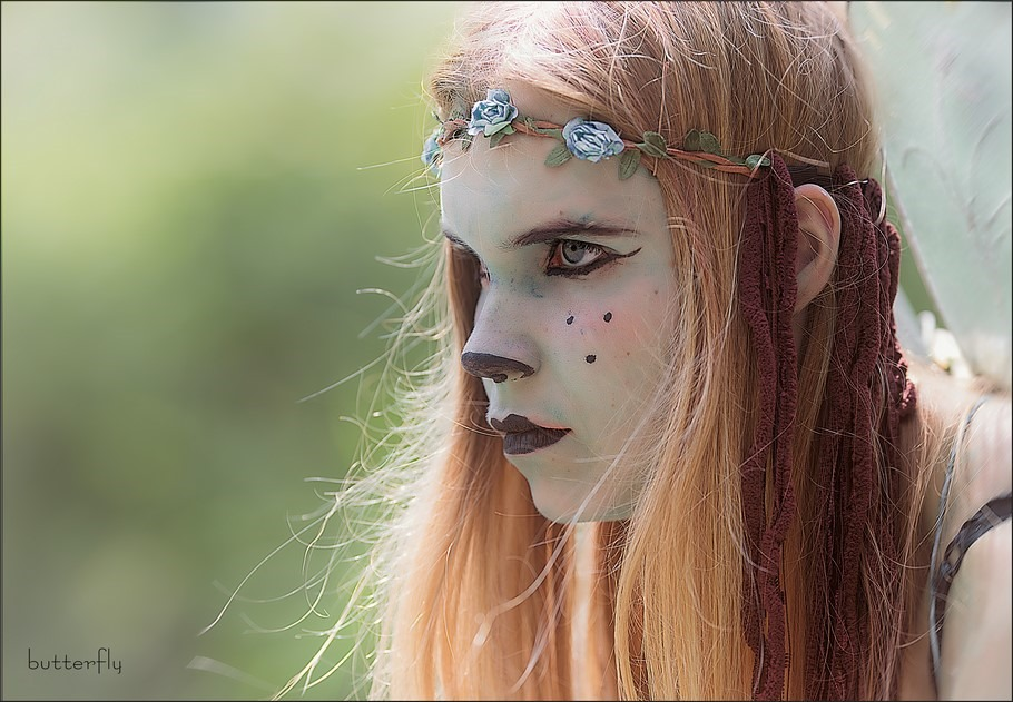 Sprookjesfiguur Foto Fantasy makeup Foto Fantasie Make Up Foto Fantasie Schminken Foto Elfje Foto Vlinder Foto Living Statue Foto Levend Standbeeld Foto Sprookjes Portret Foto Fantasy Face