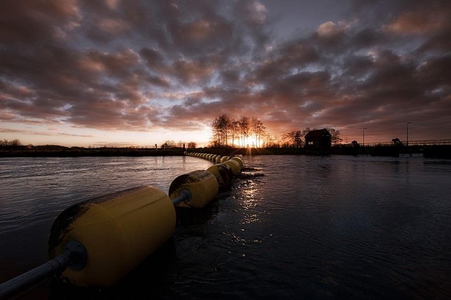 Ballenlijn Foto Drijflijn Foto Watermarkering Foto Boei Foto Boeien Foto Zonsondergang