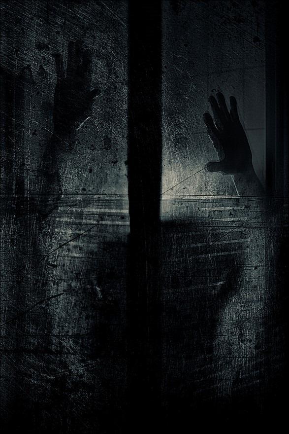 Hallucinatie Foto Psychose Foto Syndroom van Kraepelin Foto Angstbeeld Foto Angststoornis Foto Achtervolgingswaan Foto Psychotisch Foto Bang in het Donker Foto Horror Fotografie Foto Paranoide Foto Waanbeeld Foto Paranoya