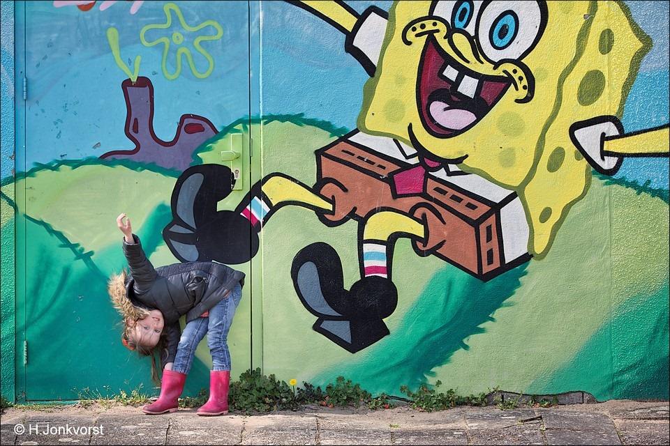 Fotografie met Graffiti Foto Graffiti Fotograferen Foto Graffiti Fotografie Foto Cartoon Graffiti Foto Stripfiguur Graffiti Foto SpongeBob Graffiti Foto Schop onder je Kont Foto Yaleesa