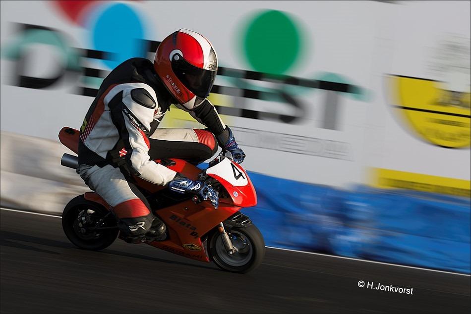 Staphorst Foto Sport Foto Motorsport Foto NK Minibikes 2016 Foto NK Minibikes Foto Minibikeraces Foto Minibiken 02