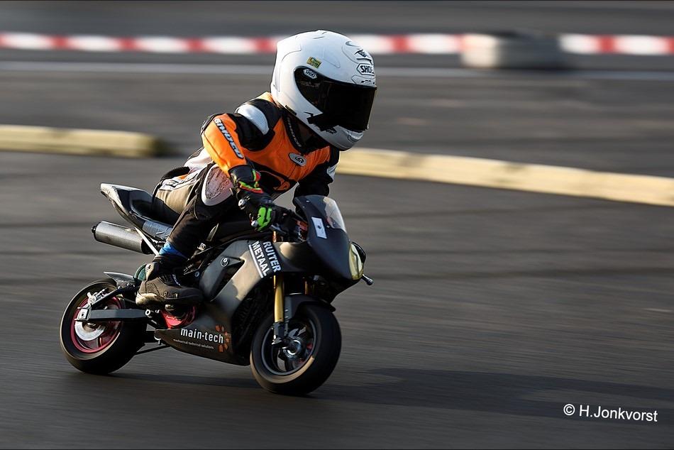 Staphorst Foto Sport Foto Motorsport Foto NK Minibikes 2016 Foto NK Minibikes Foto Minibikeraces Foto Minibiken 05