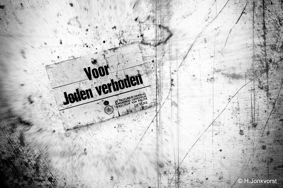 Voor Joden Verboden Foto Verboden voor Joden Foto Verboden voor Joden Bordje Foto Bordje verboden voor Joden Foto Holocaust Foto Aanzet tot Holocaust Foto Anti Joodse Maatregelen Foto Scheiding tussen Joden en niet-Joden
