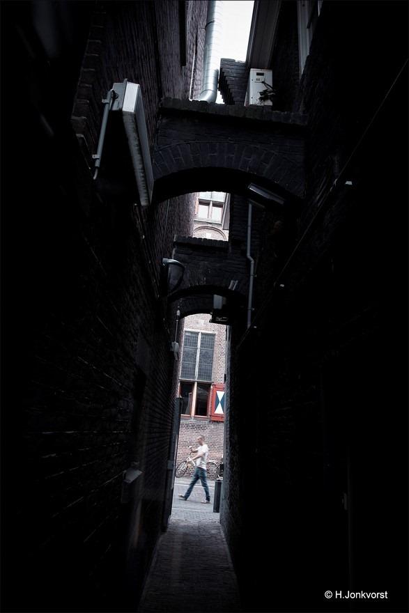 Het smalste Straatje Foto Enge Steeg FotoEng Steegje Foto Smal Steegje Foto Smalle Steeg Foto Claustrofobie Foto Claustrofoob Foto Engtevrees Foto Muursteeg Zwolle