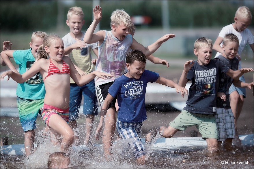 Huttendorp Staphorst 2016 Foto Staphorst Foto Huttendorp Staphorst Foto Huttendorp Foto Huttendorp 2016 Foto Waterspelen Foto Spelen met water Foto Waterspelen Foto Spelen met water 02
