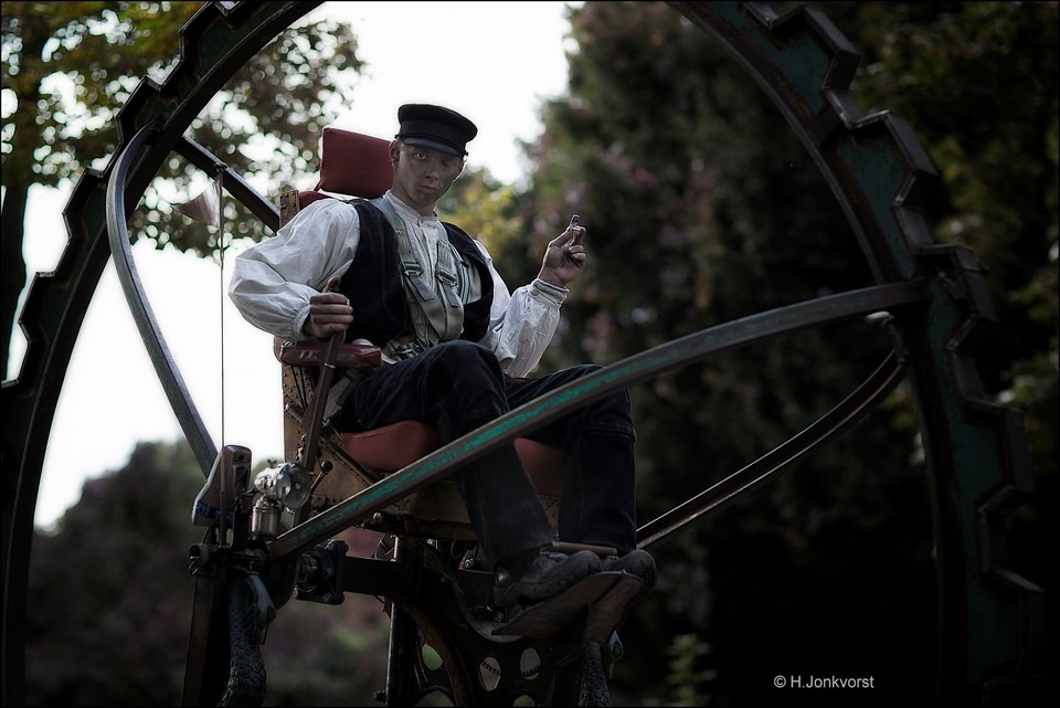 Abacus Theater Foto Abacus Theater Foto Bokbierdag Zutphen Foto Bokbierdag Zutphen 2016 Foto Straattheater Foto Steampunk Foto Man en Machine Foto Mobiel Straattheater