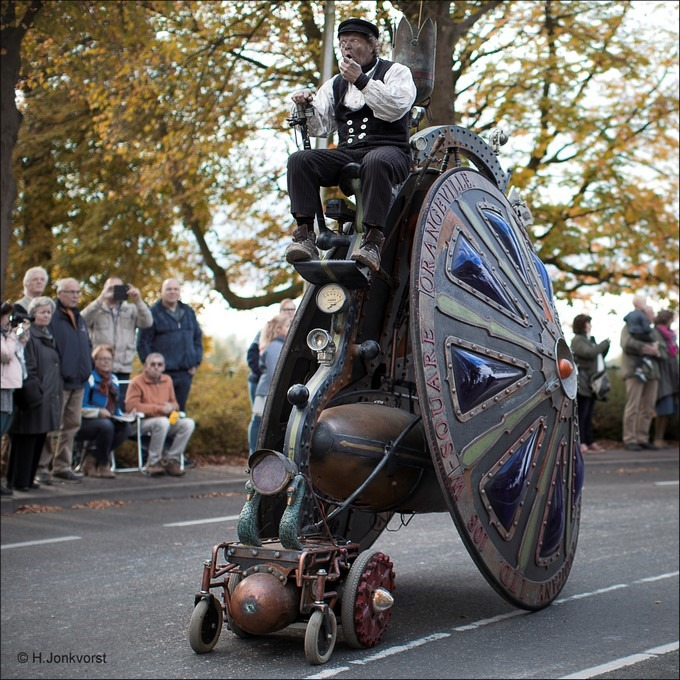 Abacus Theater Foto Abacus Theater Foto Bokbierdag Zutphen Foto Bokbierdag Zutphen 2016 Foto Straattheater Foto Steampunk Foto Man en Machine Foto Mobiel Straattheater 2
