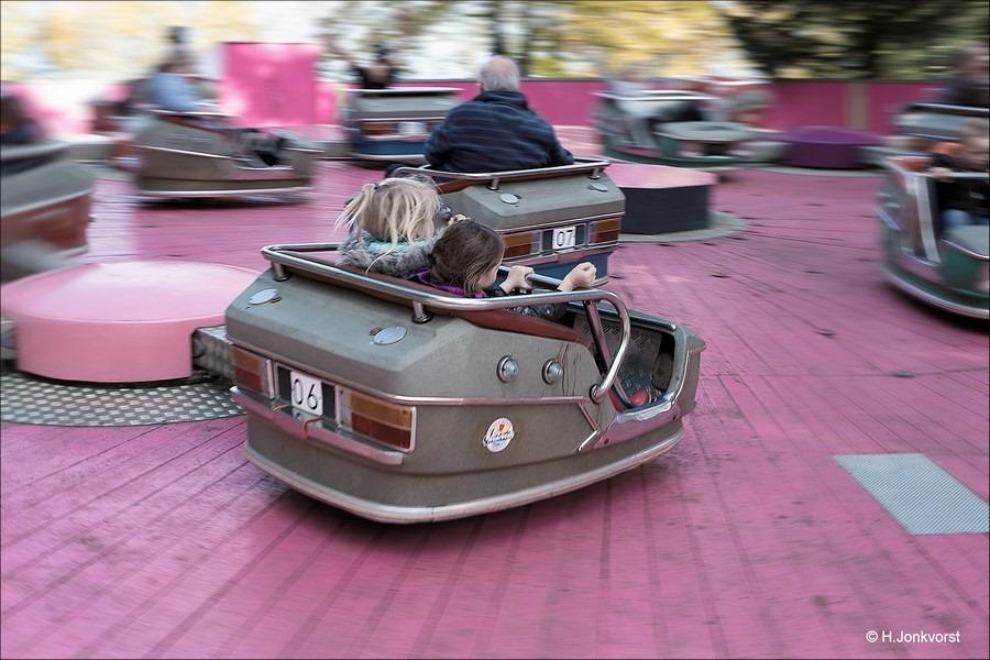 Pretpark de Waarbeek Foto De Waarbeek Foto zwaaien en zwieren Foto Kermis Fotograferen Foto kermis fotografie Foto draaiende kermisattractie