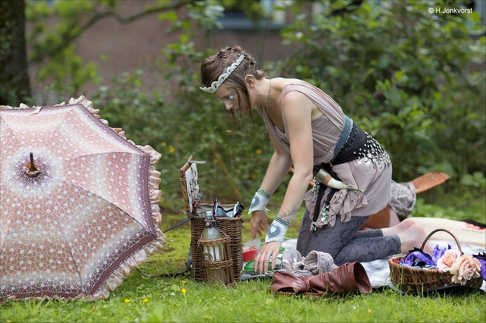 picknick Foto picknicken Foto picknicken in de natuur Foto picknick in zomerland Foto sprookjesfee Foto ontbijten in de buitenlucht Foto maaltijd in de buitenlucht Foto ontbijt in de buitenlucht Foto zomerland