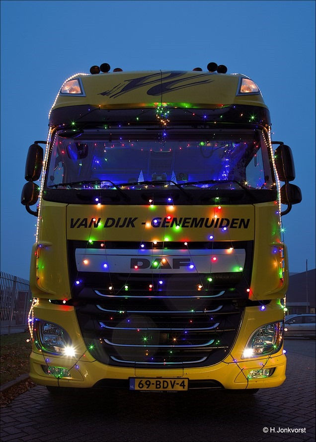Staphorst Foto Trucks by Night Foto verlichte trucks Foto Trucks by Night Staphorst Foto Trucks by Night 2016 Foto Trucks by Night Staphorst 2016 Foto Chauffeursvereniging de Lichtmis