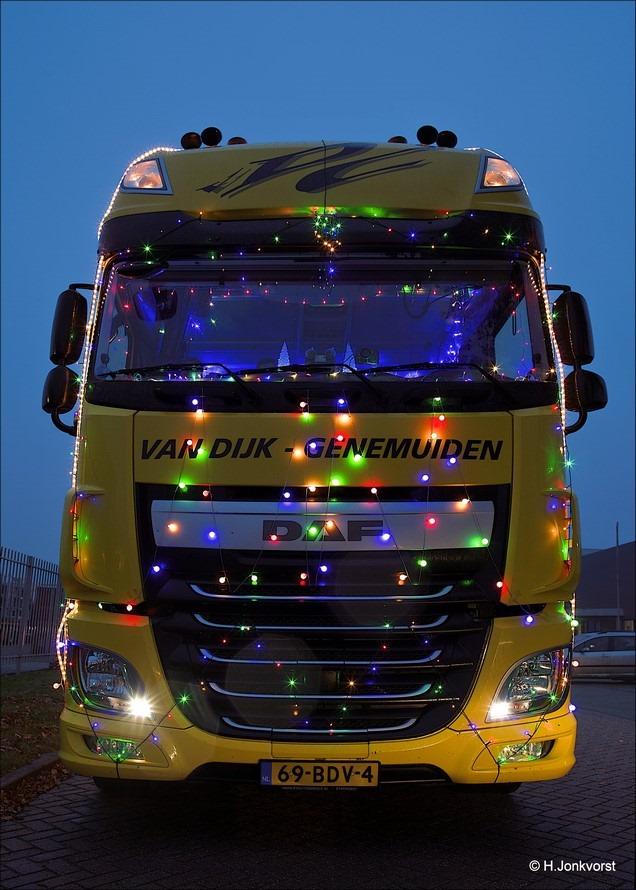 Staphorst Foto Trucks by Night Foto verlichte trucks Foto Trucks by Night Staphorst Foto Trucks by Night 2016 Foto Trucks by Night Staphorst 2016 Foto Chauffeursvereniging de Lichtmis