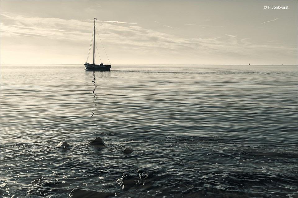 Urk Foto Urker botter Foto botter Urk Foto tuf tuf Foto tuf-tuf Foto tuffen van een boot Foto stilte op het water Foto verstilling op het water Foto aan het ijsselmeer Foto IJsselmeer