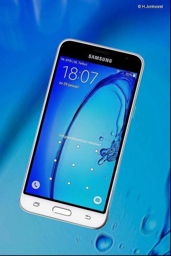 Samsung J3, productfotografie, productfoto telefoon, supersnel 4G, 4G, mobiel abonnement, tabletop fotografie, tabletop