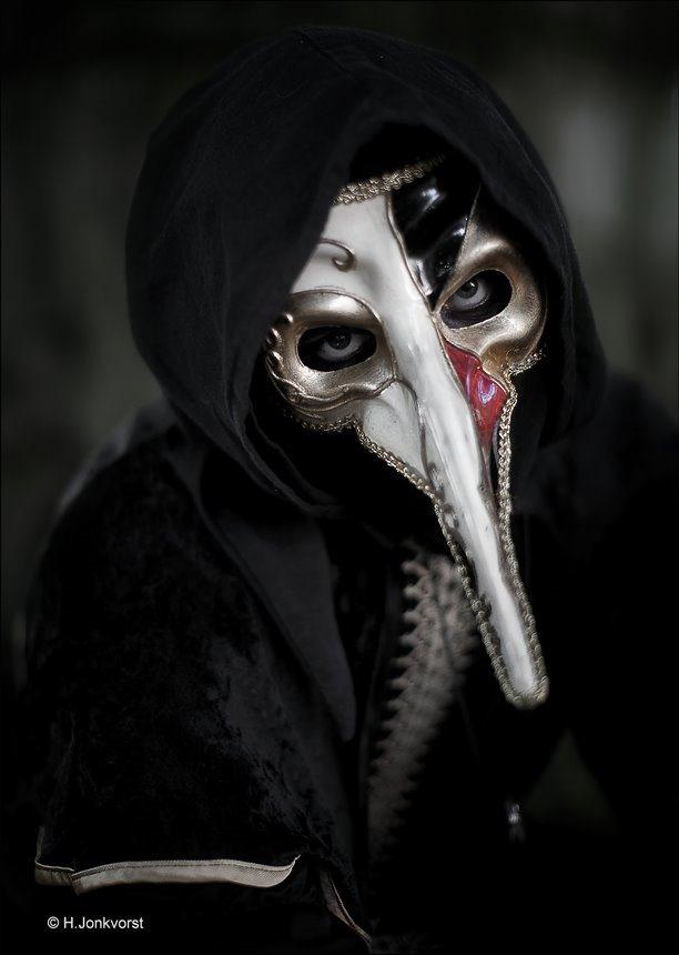 de langste neus, lange neus, lange neus masker, masker lange neus, mysterieus oog, achter een masker, lange neus maken, lange neus trekken