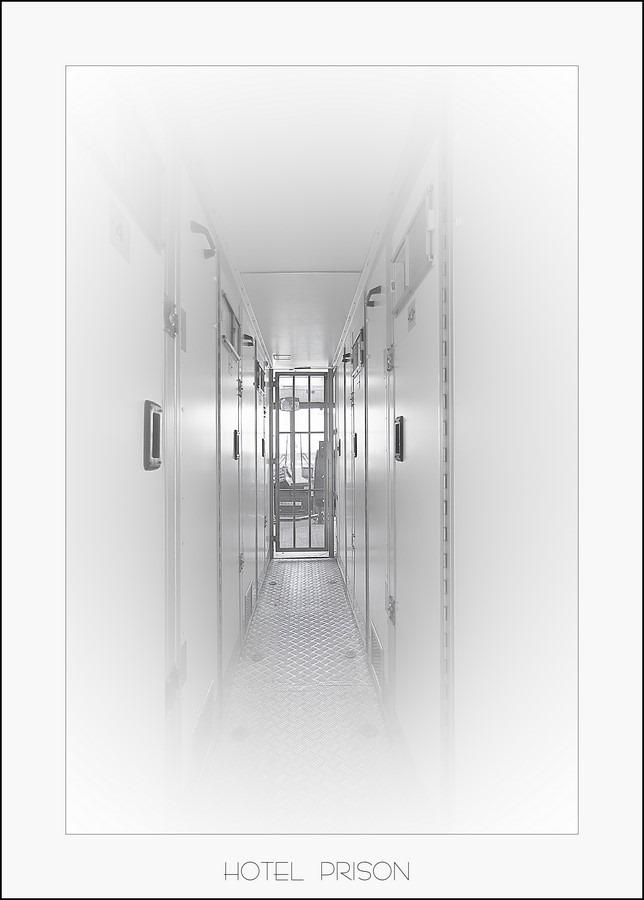 Gevangenismuseum Veenhuizen, gevangenismuseum, Veenhuizen, arrestantenbus, boevenbus, detentie, vrijheidsberoving, achter tralies, gevangenschap, leven achter tralies