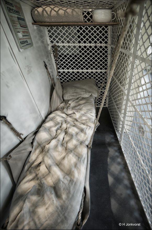 Gevangenismuseum Veenhuizen, gevangenismuseum, Veenhuizen, detentie, vrijheidsberoving, achter tralies, gevangenschap, leven achter tralies, slaapkooi, slaapkooi gevangenis, stalen slaapkooi