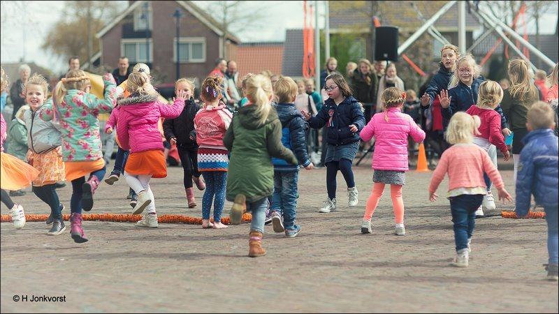 Koningsdag Staphorst 2017, Koningsdag Staphorst, Koningsdag Kinderspelen, Spelen op het martktplein, Koningsdag 2017, Staphorst, Oranjevereniging Staphorst, Koningsdag op het marktterrein