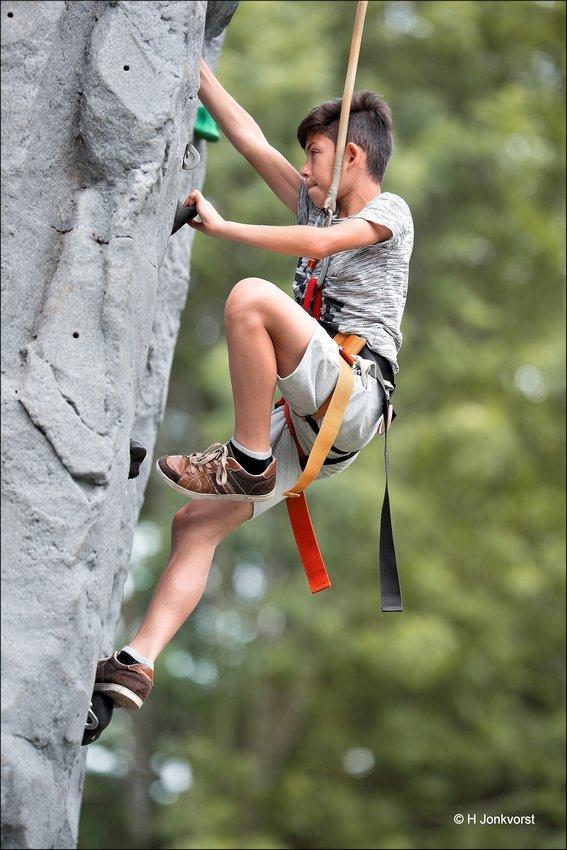 klimrots, mobiele klimrots, Steile Wand, klimmuur, the rock, bergbeklimmen, klimrots speeltoestel, OBN dweildag Hasselt 2017, OBN dweildag Hasselt, OBN dweildag 2017, OBN dweildag