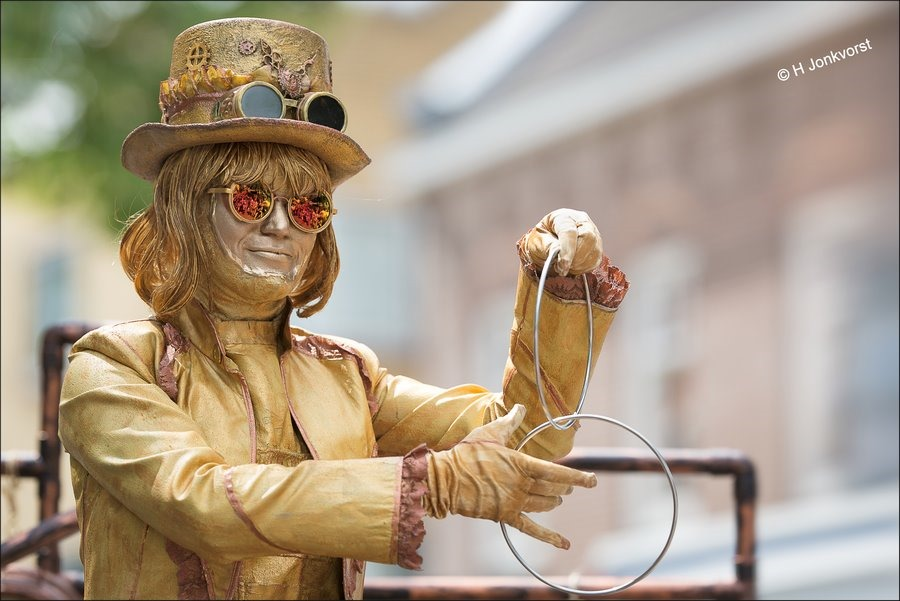 C'est la Vie Emmen, C'est la Vie Emmen 2017, Cest La Vie Emmen 2017, C'est la Vie Straattheater, Straattheater Festival, straatheater, Magische ringen, Levend Standbeeld, Levende beelden, Madame Mystique, Living Statue
