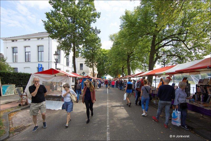 Deventer Boekenmarkt, Boekenmarkt Deventer, Boekenmarkt Deventer 2017, Deventer Boekenmarkt 2017, boekenmarkt,  de magie van het lezen, grootste boekenmarkt Europa