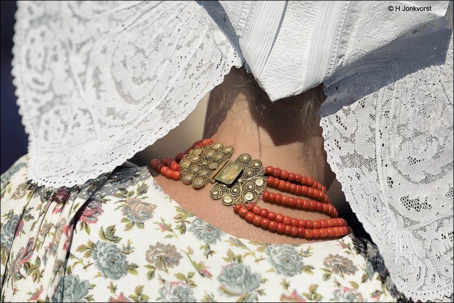 Nationale dag van de klederdracht, nationale dag van de klederdracht 2017, nationale dag van de klederdracht Urk, Urk, Nederlandse klederdracht,  Urker klederdracht, kostbaar erfstuk, kostbaar kleinood, erfstuk