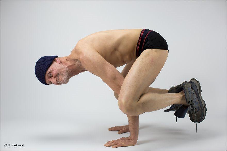 In balans, balans, belansdag, evenwicht, in evenwicht, evenwichtig bestaan, spiercoördinatie, spierbeheersing, controle over je lijf, controle over je lichaam, controle over je spieren, evenwichtsoefening, op je handen