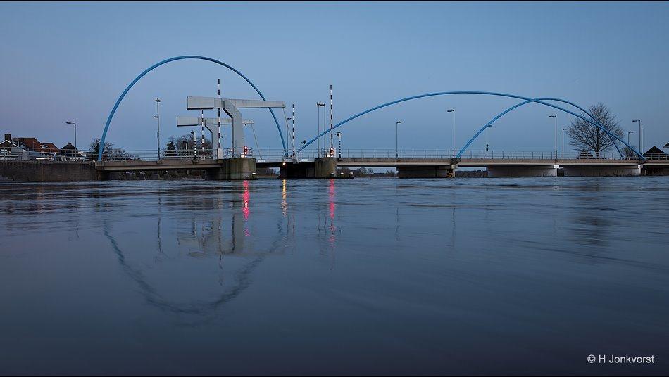 Blauwe bogen brug Dalfsen, Brug met blauwe bogen, Dalfsen aan De Vecht, Blauwe Bogen, Dalfsen, Hoogwater De Vecht, Hoogwater De Vecht Dalfsen, brug bij Dalfsen, Nachtfotografie, Nachtfotografie Dalfsen