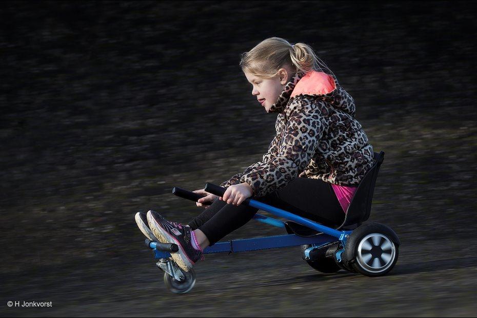 Heb jij al een hoverkart, hoverkart, hover kart, Hoverboard, Hoverboard uitbreiding, Hoverboard accessoire, hoverboard wagentje, hoverboard stunten, hoverboard stunts, Sport, Wendy, racen met een hoverkart