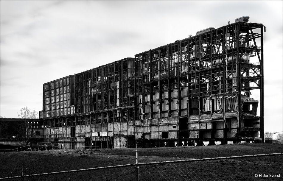 IJsselcentrale Harculo, Harculo, IJsselcentrale, Harculo Zwolle, IJsselcentrale Harculo Zwolle, stalen karkas, Apocalypse, apocalyptische sfeer, sloop gebouw, desolaat