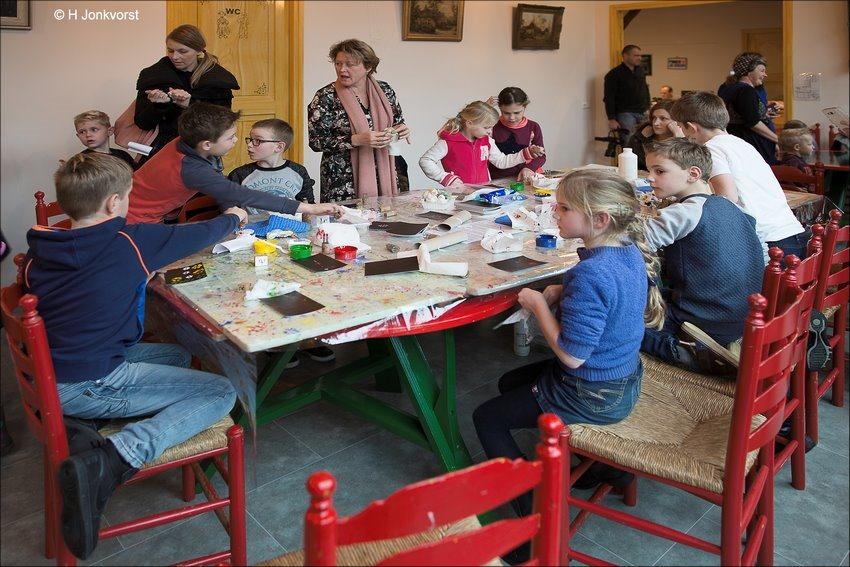 Staphorst, nostalgische spelmiddag, oudhollandse spelletjes, oudhollandse spelletjes voor kinderen, spelmiddag, oudhollandse spellen, oudhollands vermaak