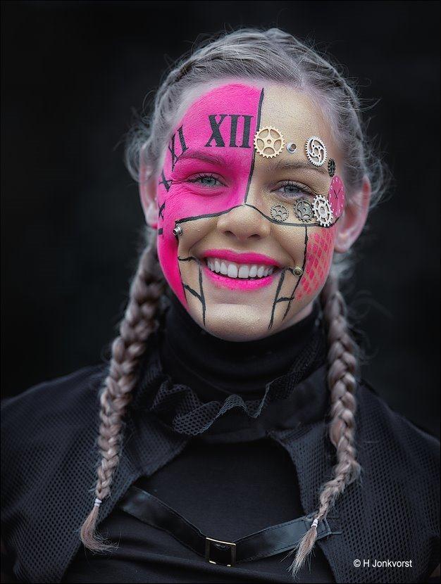 Uurwerk, Uurwerk schminken, Uurwerk schmink, Carnaval Raalte 2018, Carnavalsoptocht Raalte 2018, Carnaval Raalte, Carnavalsoptocht Raalte, Carnaval Nederland 2018