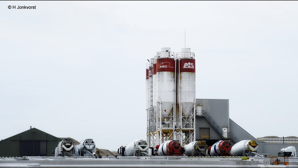 ABC Mortel, ABC Mortel Meppel, ABC Mortel B.V., Betoncentrale Meppel, BCS Meppel, Betoncentrale, stortklaar beton, mixen en draaien, industriële fotografie