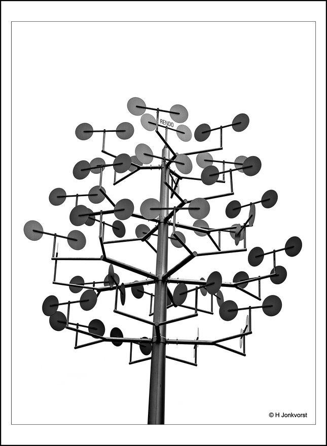 Rendo, Rendo netbeheerder, Rendo Meppel, Meppel Setheweg, Rendo nutsbedrijf, Rendo beheer, Windmolenboom, Kunst van Rendo, Kunst, Kunstwerk, Kunstwerk wekt energie op, Fotografie, Foto