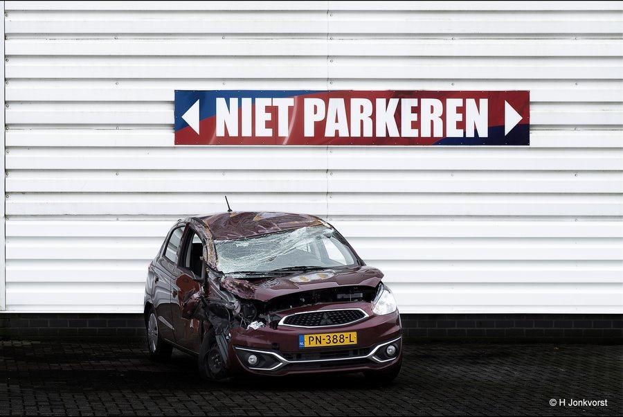 sancties tegen fout parkeren, fout parkeren, niet parkeren, wat riskeert u , parkeerverbod, strenge straffen bij fout parkeren, Fotografie, Foto