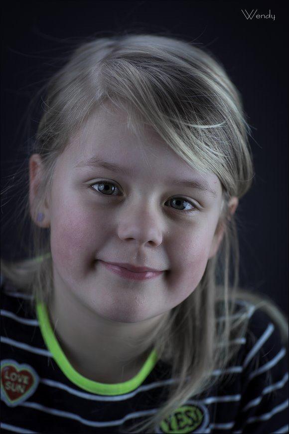 Wendy, Portret, Kinderportret, Kinderfotografie, Kinderportret fotografie, Kinderportretfotografie, Fotodtudio, Studioportret, Fotograferen met kinderen, Fotografie, Foto