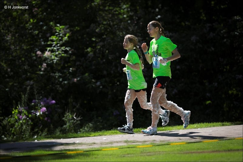 Bubbel Run, Bubbel Run Zwolle, Bubbel Run Zwolle 2018, Foto Bubbel Run, Foto Bubbel Run Zwolle, Park de Wezenlanden, Zwolle, Run, Schuimparty, Schuimbad, Schuim Hindernis, Sport, Hardlopen, Funrun, Fun Run, Bubble Run
